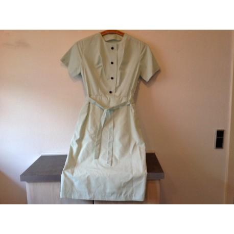 26adfc7d5fce Ældre lyse grøn kjole fra 60 erne