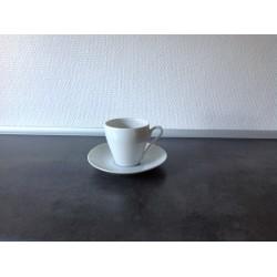 Lyngby hvid kop med underkop