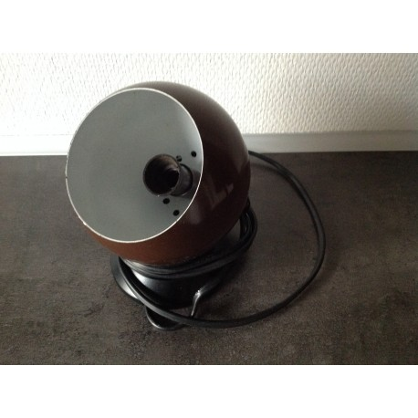 Brun kuglelampe