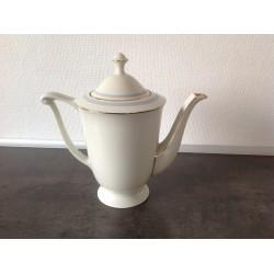 Gl. Porcelæns kaffekande