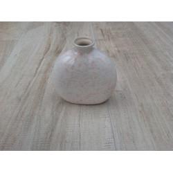 Vase hvid med lyserøde prikker
