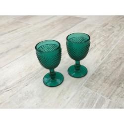 Grøn pokalglas med rillet mønster