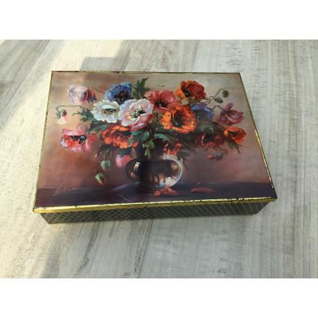 Fin ældre dåse med blomster fra Haribo