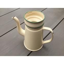 Lille kaffekande madam creme med grønne kanter og rand til kaffeposen