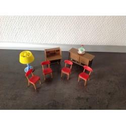 Dukkemøbler til dukkehus