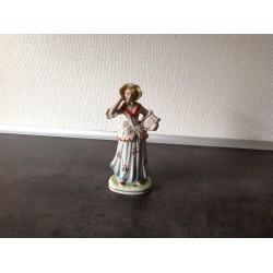 Fin porcelæns dame med harpe
